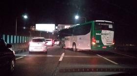 Bus passengers held hostage as vehicle hijacked on bridge in Brazil (PHOTOS, VIDEOS)