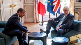 Foot in mouth? VIDEO shows Boris 'gaffe' was really part of Macron joke