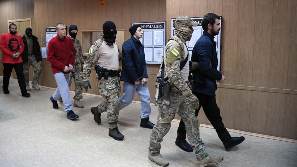 Major Russia-Ukraine prisoner swap underway