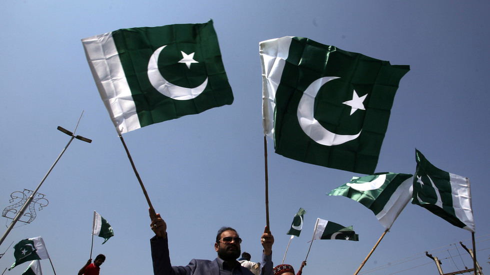 Pakistan denies Indian president permission to enter airspace