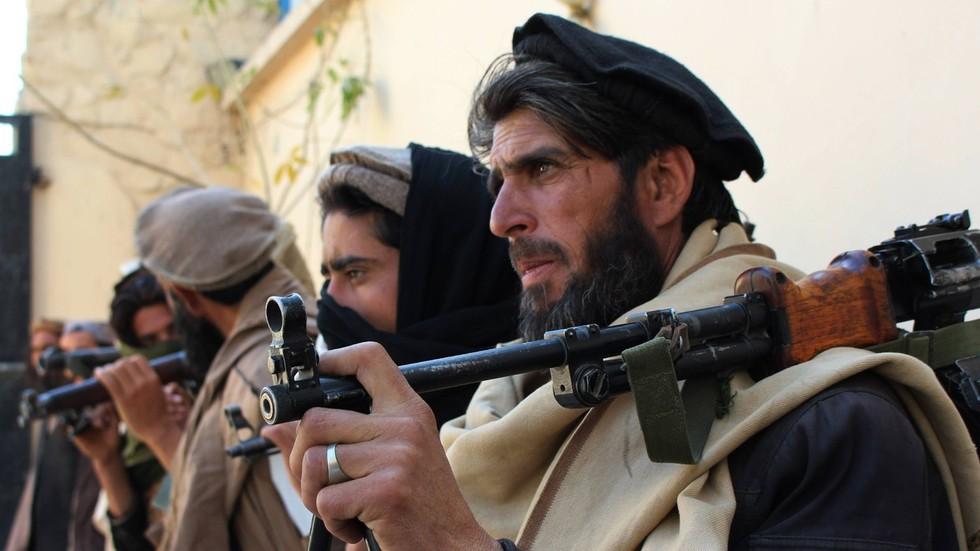 Antigo aliado, o Taleban transformou-se em inimigo dos EUA no Afeganistão