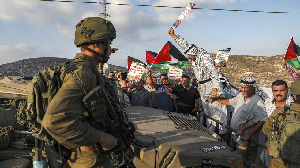 Abbas says all agreements with Israel OVER if Palestinian land annexed