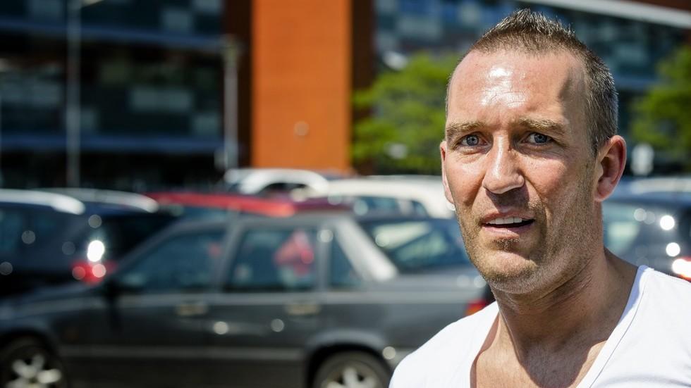 Former Rangers & Zenit star Fernando Ricksen dies aged 43 after battle with motor neurone disease