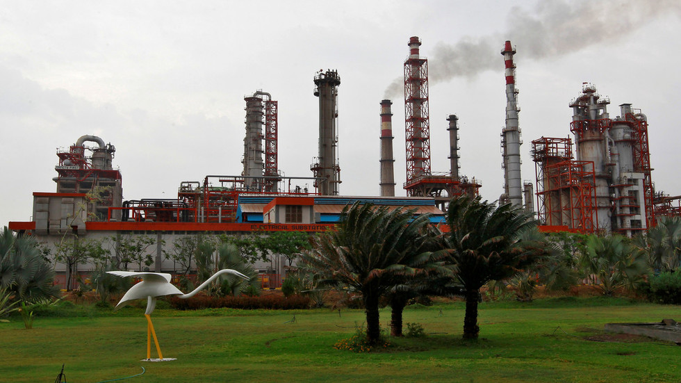 India to boost crude imports from Russia after Saudi oil attacks
