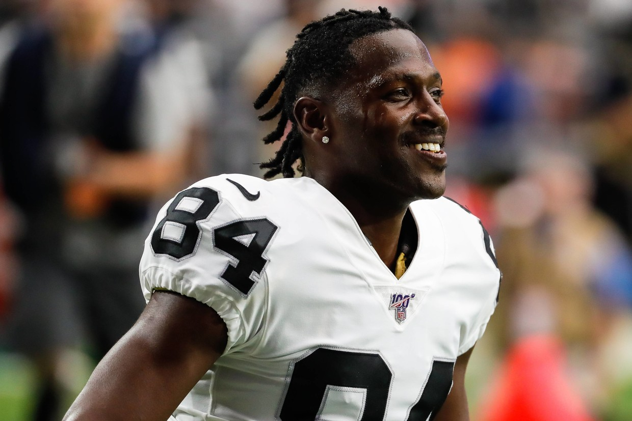 Antonio Brown Practices With Patriots for First Time