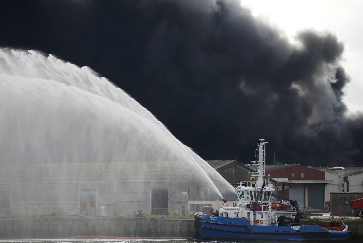 Large fire breaks out at chemical factory in French city of Rouen