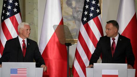 Polish President Andrzej Duda and U.S. Vice President Mike Pence speak during a press conference in Warsaw, Poland September 2, 2019. © REUTERS/Slawomir Kaminski/Agencja Gazeta