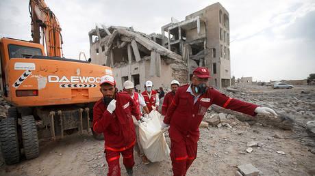 © Reuters / Mohamed al-Sayaghi