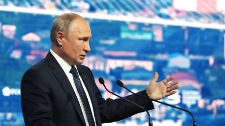 Vladimir Putin speaks at the Eastern Economic Forum (EEF) on September 5, 2019.
