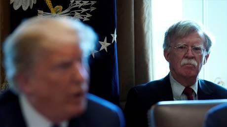 © Reuters / Kevin Lamarque