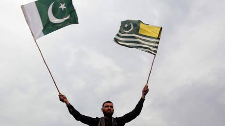 File photo: © REUTERS/Mohsin Raza