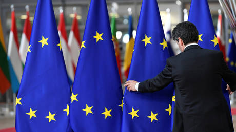 EU prolongs sanctions against 170 citizens, 44 companies from Russia & Ukraine