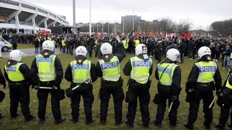 Fears of Muslim riots: Police mobilize in Sweden ahead of Davis Cup clash against Israel