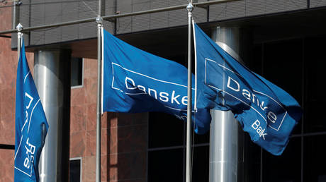 FILE PHOTO: Danske Bank flags at the bank's Estonian branch in Tallinn © Reuters / Ints Kalnins