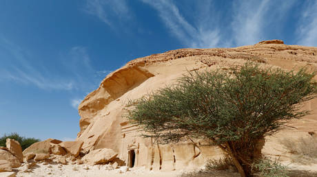 Majestic rock-hewn tombs of Madain Saleh in Saudi Arabia © Reuters / Faisal Al Nasser