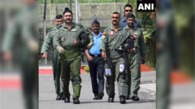 India's hero Wing Commander trims iconic moustache, Twitter rends garments in despair (PHOTOS)