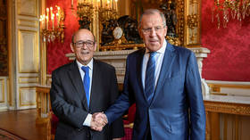 Hitting the reset button? French defense minister & top diplomat visit Moscow for talks