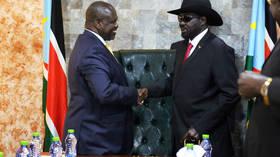 S. Sudan president Kiir, rebel leader Machar agree to form interim govt by November 12