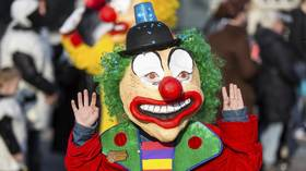 NZ man brings 'emotional support CLOWN' to layoff meeting