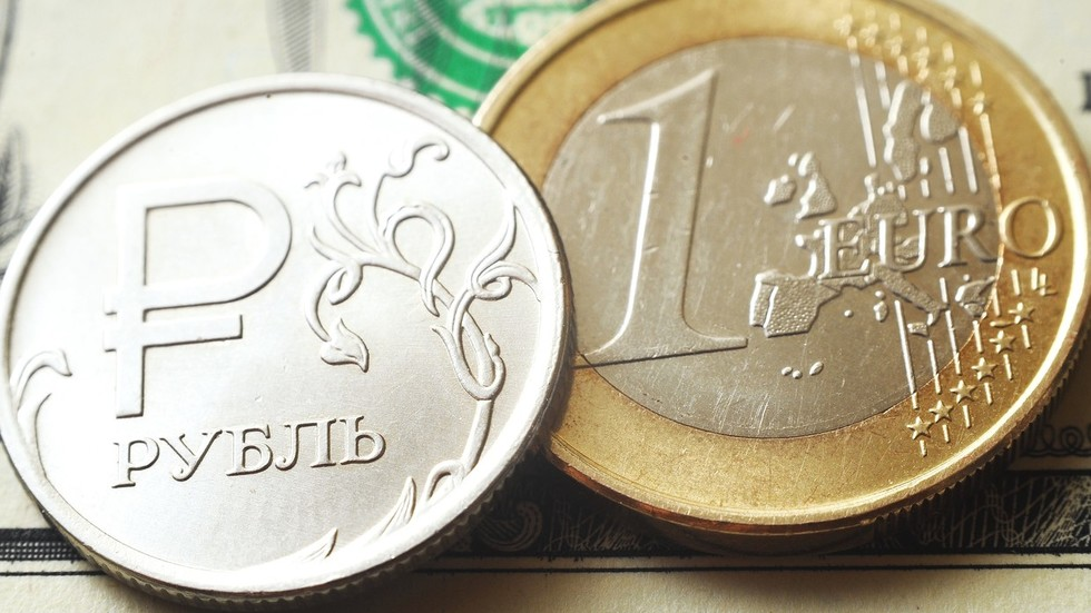 'Our currency's stable, why not use it?' Russia looks to ditch US dollar for exchanges in rubles & euro in energy exports