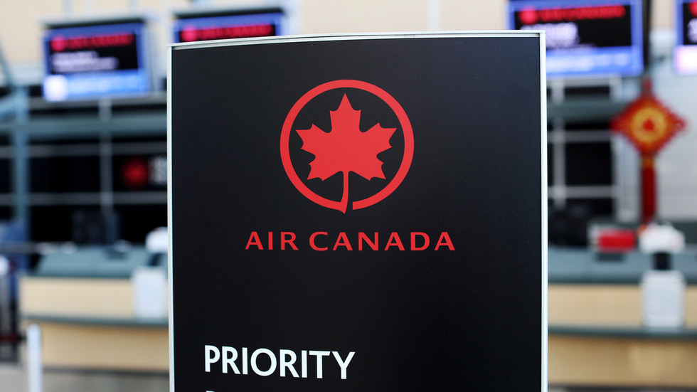 No more ladies & gentlemen on board! Air Canada courts woke police with gender-neutral welcome that is... EVERYONE?