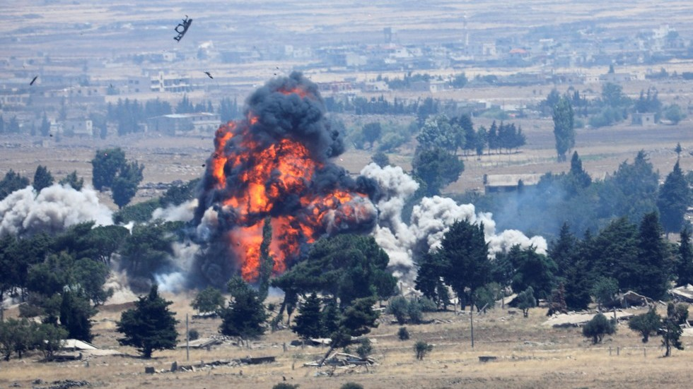 Leave nothing behind? US forces DESTROY own airfield, equipment as they flee northern Syria (PHOTOS)