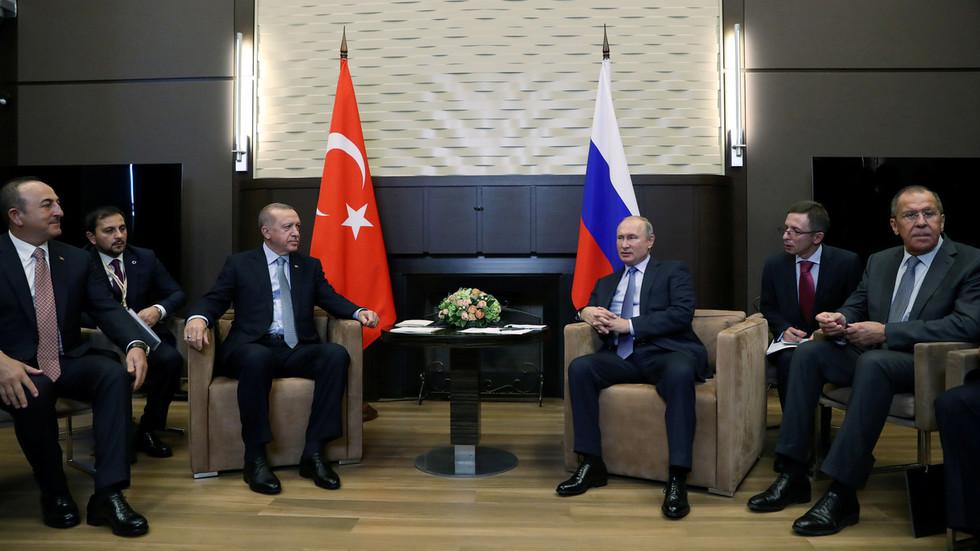 Russian & Syrian forces to enter Turkey operation zone starting Wednesday – Putin-Erdogan agreement