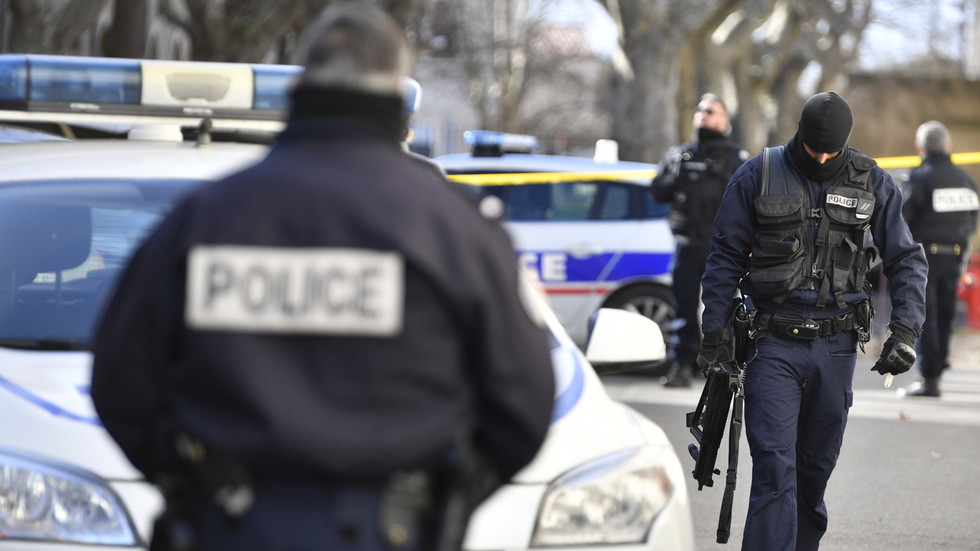 Siege over at museum on French Riviera, armed police arrest suspect