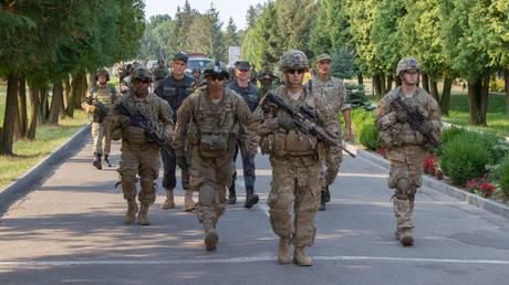 US soldiers training Ukrainian National Guard troops in Yavoriv, Ukraine (file photo)