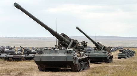BIG GUN, BIG FINE: Russian soldier ordered to pay $380,000 in damages after self-propelled artillery unit falls from truck