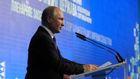 'We're cooperating with WADA': Putin speaks on reignited doping row