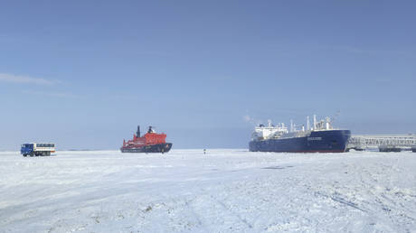 World's biggest oil company considers investing in Russian LNG