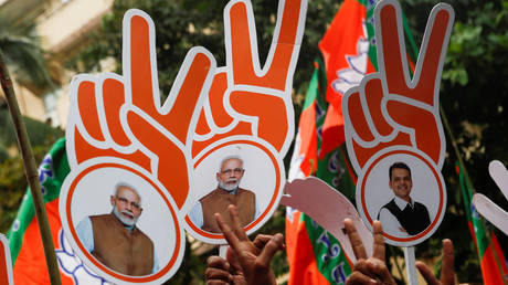 Supporters of BJP, Mumbai, India, October 24, 2019 ©REUTERS/Francis Mascarenhas