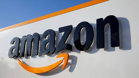 FILE PHOTO: The logo of Amazon © Reuters