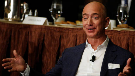 FILE PHOTO: Amazon CEO Jeff Bezos © Reuters / Brendan McDermid