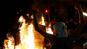 Flaming barricades & tensions: Unrest continues to grip Barcelona after Spain jails pro-independence Catalan leaders (VIDEOS)