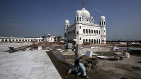 Building bridges: India & Pakistan agree on visa-free corridor for Sikh pilgrims