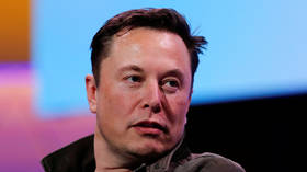 Cash-strapped 'Treelon' Musk vows to plant a million trees during Twitter exchange – YouTube pledges to match him
