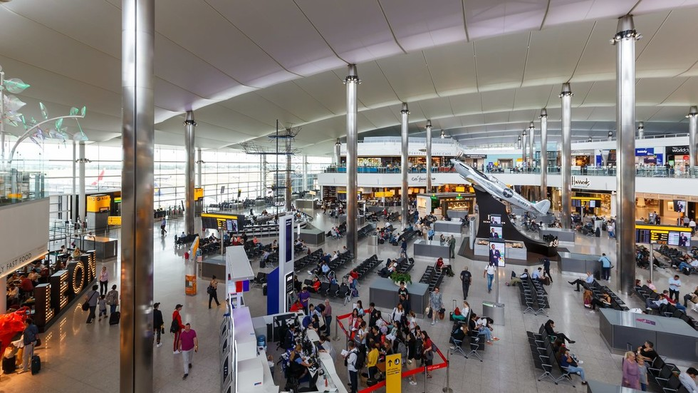 UK charges man who arrived from Turkey with Syria-related terrorism offense