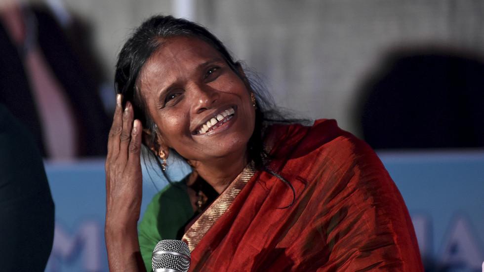 Joker 2.0 VS Kindness whilst judging: Twitter divided after India's viral superstar Ranu Mondal gets bizarre makeover (PHOTO)