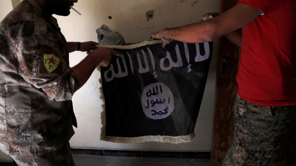 Pentagon & war-hawks agree: US troops should stay in Syria - 'because ISIS'