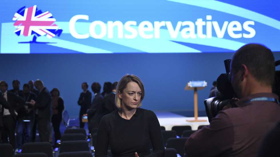 'P*** poor journalism': BBC political editor blasted for playing down Tories' fake fact check fiasco