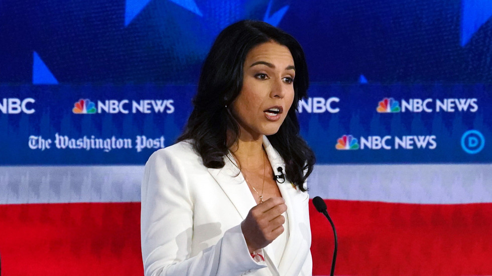 Hillary's white pantsuit says 'empowerment' but Tulsi's says 'fringe cult leader': NYT pilloried for two-faced style commentary