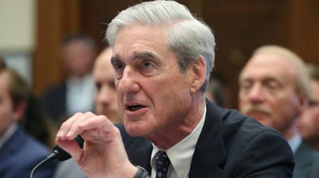 FILE PHOTO: Robert Mueller testifies before Congress © Reuters / Leah Millis