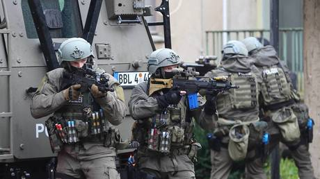 FILE PHOTO: Operatives from Germany's elite SEK counter-terrorism unit © Global Look Press / image stock&people