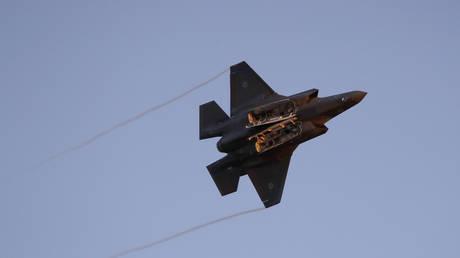 An F-35 airborne © AFP / JACK GUEZ