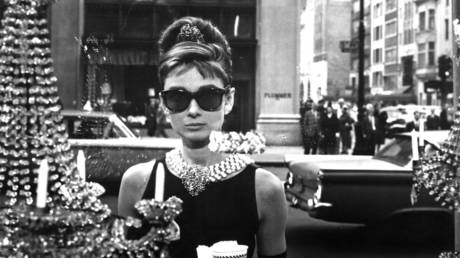 Actress Audrey Hepburn poses for a publicity still for the Paramount Pictures film 'Breakfast at Tiffany's' in 1961 in New York City, New York