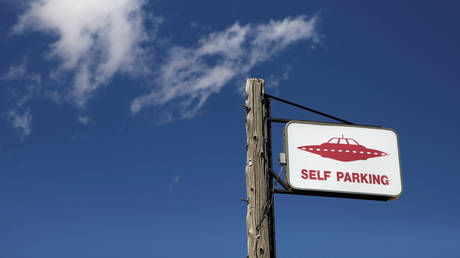FILE PHOTO: A parking sign near the Area 51 © REUTERS/Jim Urquhart