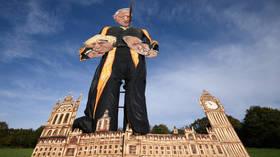 Giant effigy of former House of Commons speaker John Bercow burns ahead of Guy Fawkes Night (VIDEO)