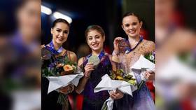 Medal mix-up: French official gives gold to US skater instead of Russian winner (VIDEO)